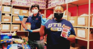 Students in the roadrunner pantry